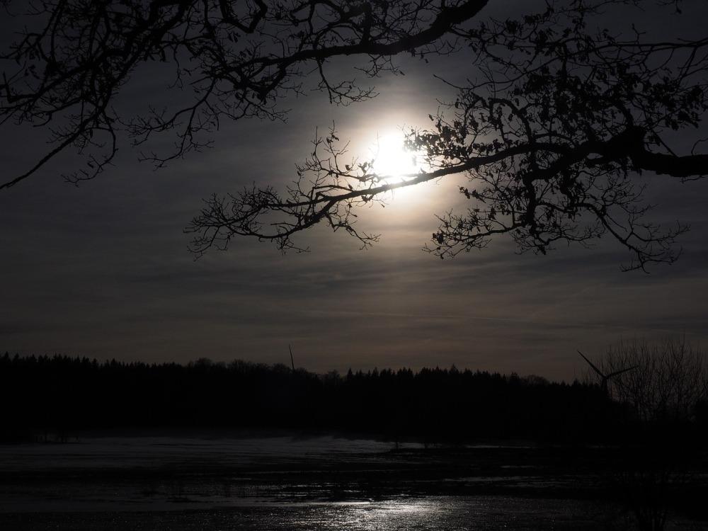 moon-1024913_1280